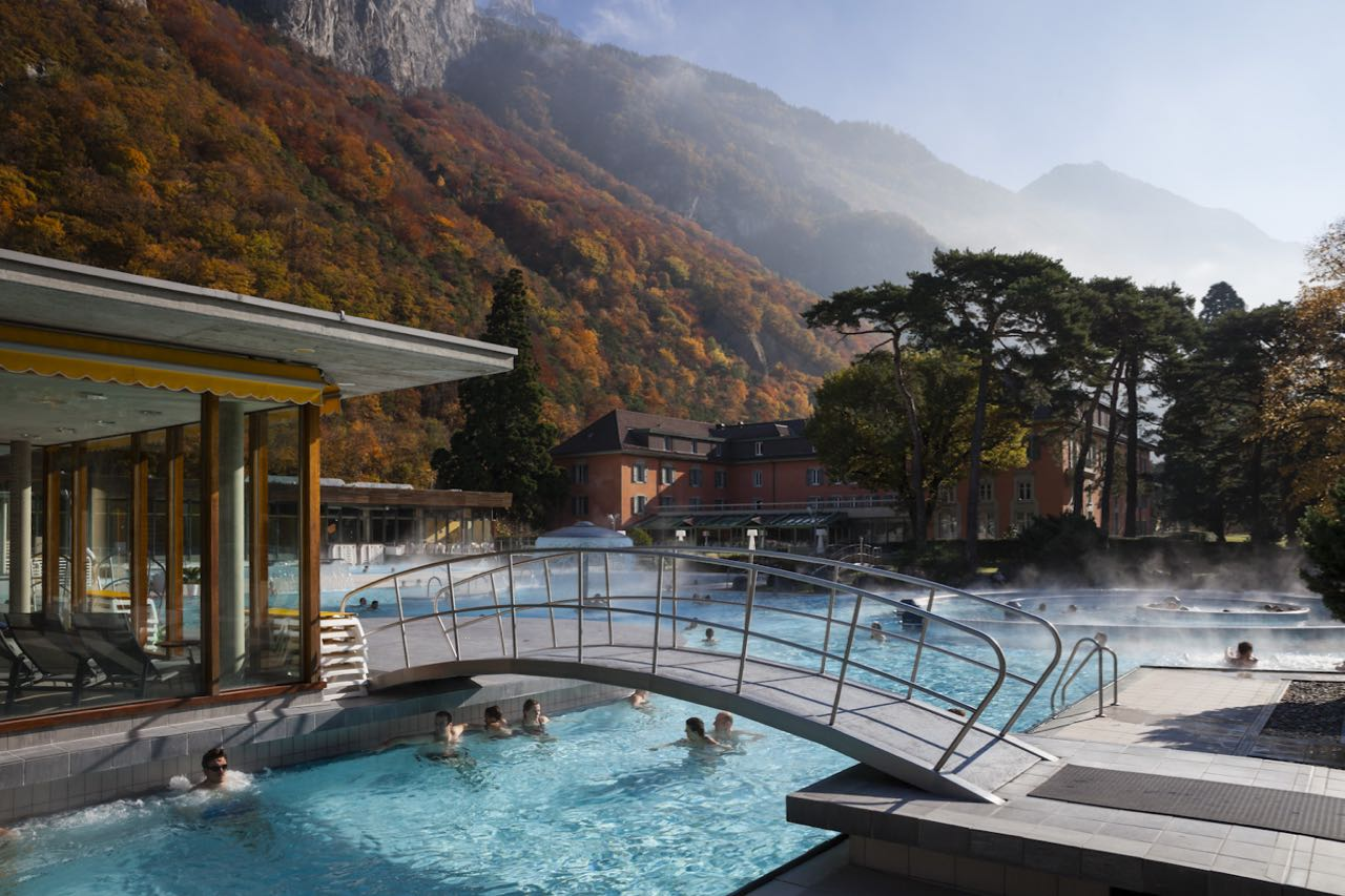 Thermal baths les bains de lavey for Hotellesbains