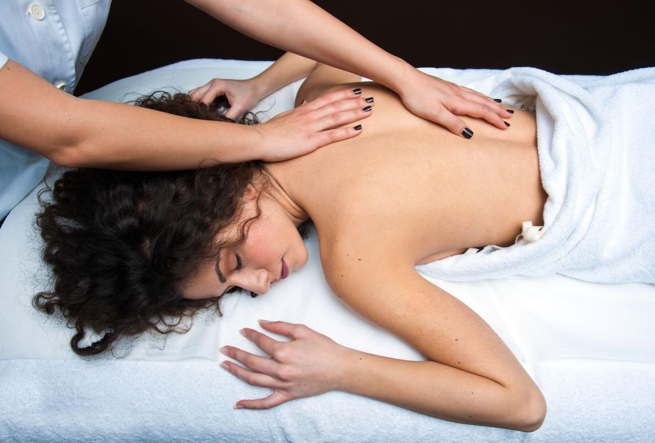 Gommage et massage au savon noir